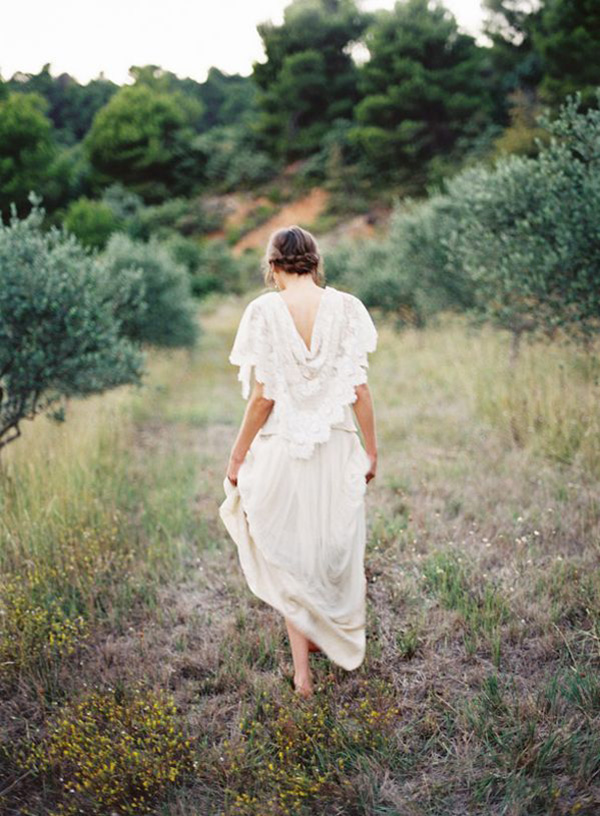 Bohemian Provence Inspired Bride | Feather and Stone Photography | Brighton Periwinkle Inspiration from Napa Valley Linens