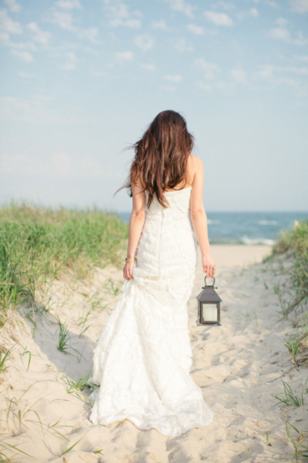 Elegant Hamptons Bride | Frost Photography | Elegant Silver and White Hamptons Wedding Inspiration