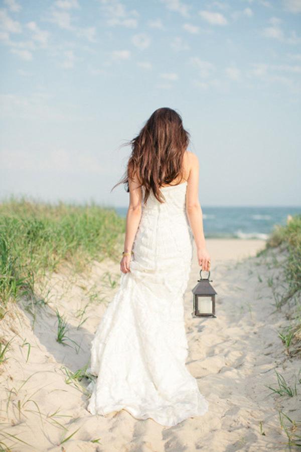 Elegant Hamptons Bride | Frost Photography | Elegant Silver and White Hamptons Wedding Inspiration