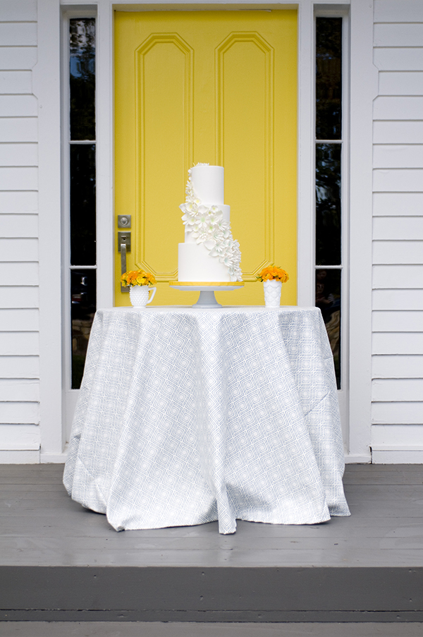 Modern Blue and Yellow Cake Table | Angie Silvy Photography and @nvlinens | Playing with Geometric Prints for Summer!