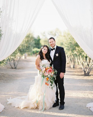 Classic Bride and Groom at Sunstone Winery | Jen Huang Photography | Grey Likes Weddings Gets Married! Inside Summer Watkins