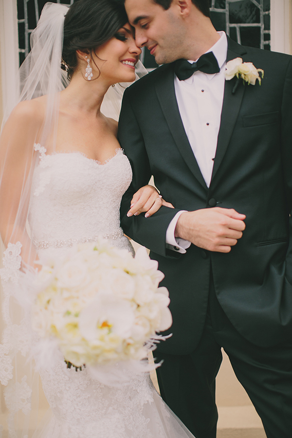 Elegant Black Tie Bride and Groom | Jake and Necia Photography | Glamorous Gatsby Inspired White and Gold Wedding