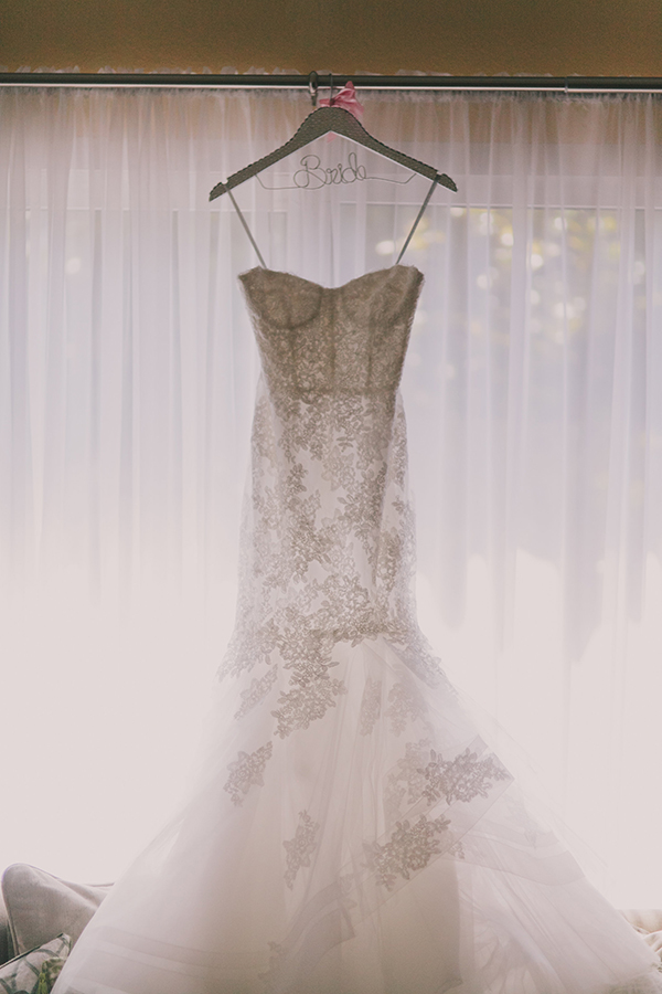Gorgeous Floral Lace Wedding Dress | Jake and Necia Photography | Glamorous Gatsby Inspired White and Gold Wedding