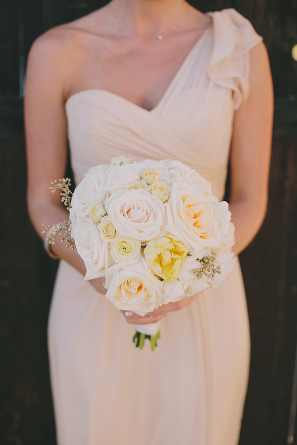 Cream and Ivory Bridesmaid Dress and Bouquet | Jake and Necia Photography | Glamorous Gatsby Inspired White and Gold Wedding