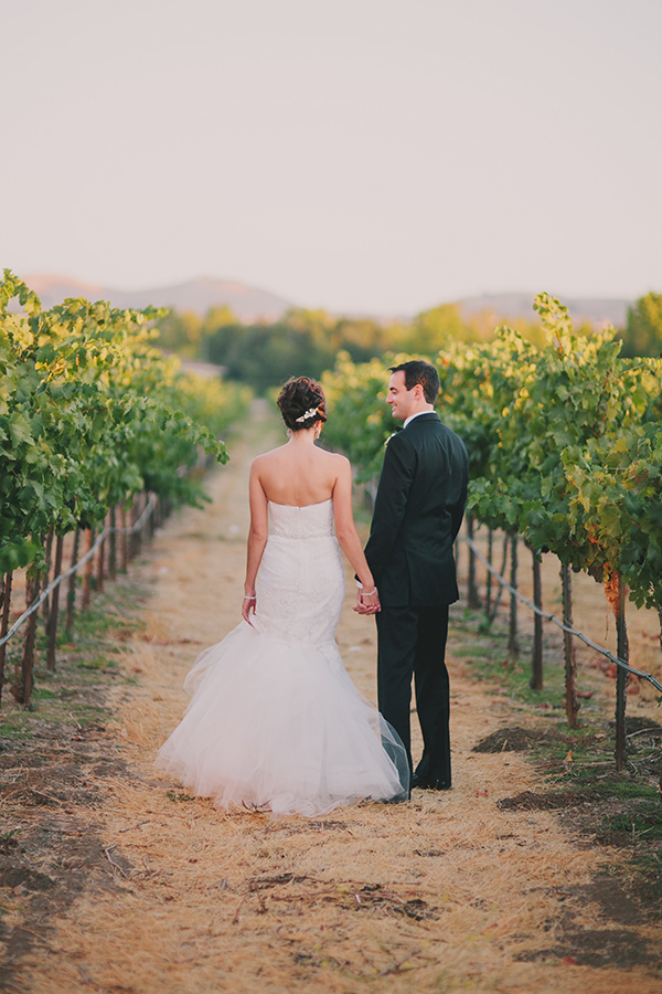 Romantic Vineyard Wedding Portraits | Jake and Necia Photography | Glamorous Gatsby Inspired White and Gold Wedding