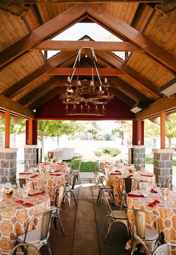 Rustic Wine Country Wedding with Industrial Modern Styling | Carmen Santorelli Photography | Luxury Linens for any Wedding Budget!