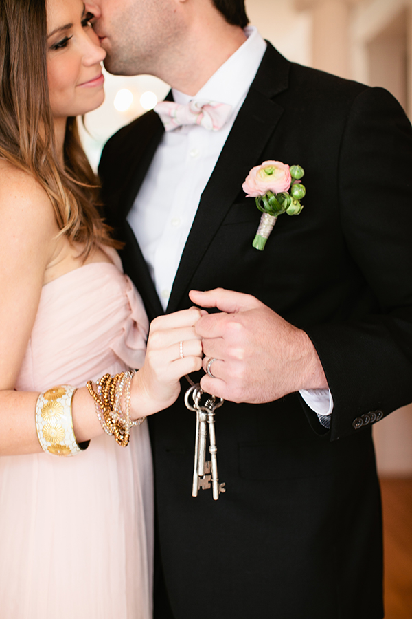 The Keys to My Heart Wedding Shoot | Gladys Jem Photography and Charmed Events Group | A Charming Blush Valentines Day Elopement