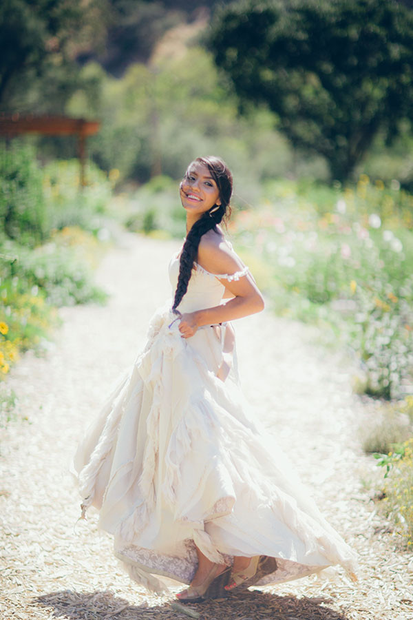 Beautiful Relaxed Bridal Portraits