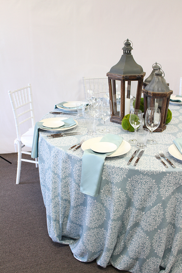 White and Blue Table with Elegant Prints | @heyweddinglady for @nvlinens | Pastels and Prints for our Spring Showroom Decor!