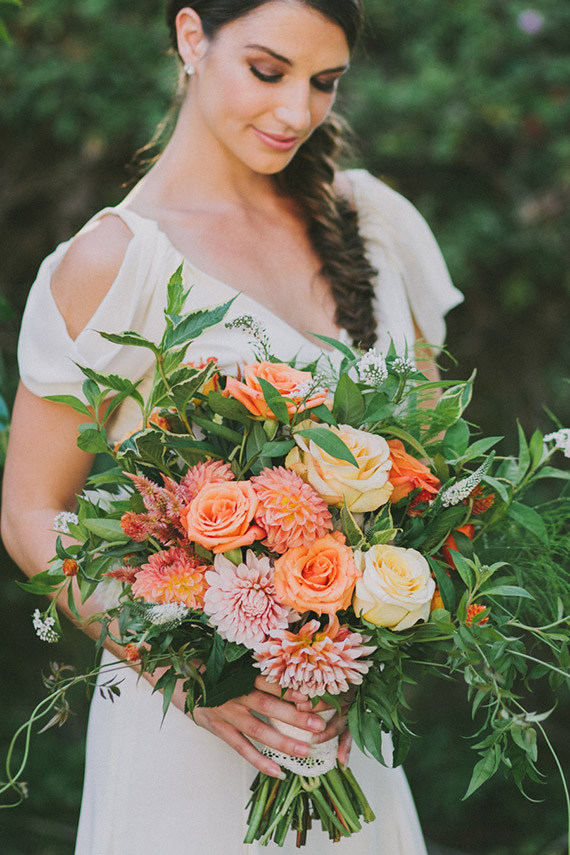 Gorgeous Orange and Coral Bouquet | Fondly Forever Photography and Summer Newman Events | A Citrus Summer Wedding in Southern California
