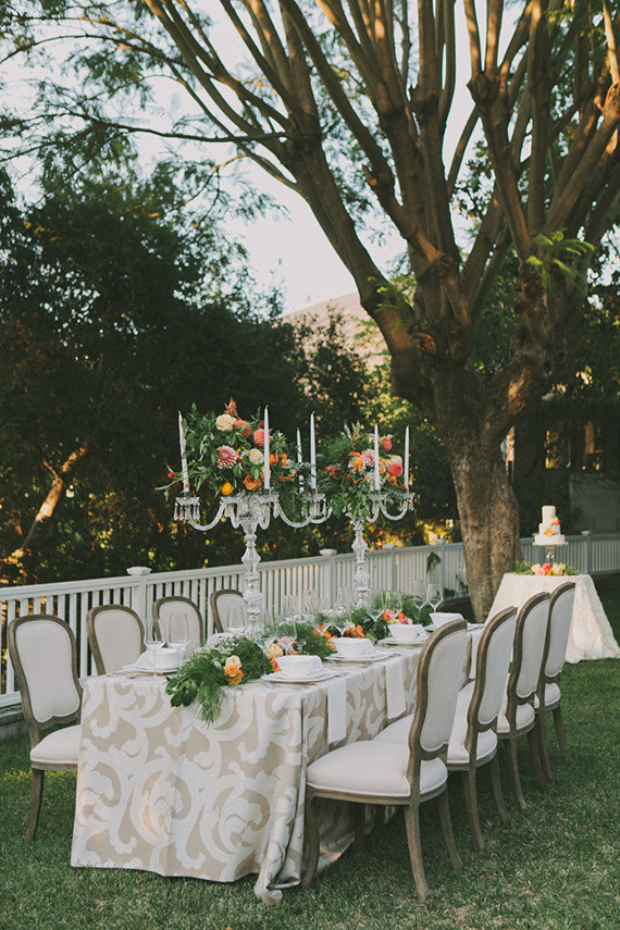 Neutral Patterned Table Linens from @nvlinens with a Bright Greenery and Floral Runner | Fondly Forever Photography and Summer Newman Events | A Citrus Summer Wedding in Southern California
