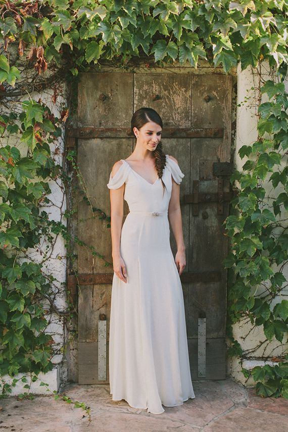 Elegant Jillian Fellers Wedding Dress | Fondly Forever Photography and Summer Newman Events | A Citrus Summer Wedding in Southern California