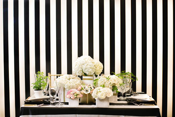 Chic Black and White Kate Spade Wedding Inspiration | Britt Rene Photography and @nvlinens | Playing with Geometric Prints for Summer!