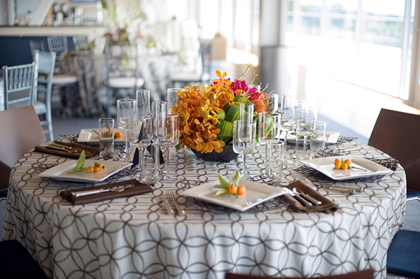 Bold Black and White Patterned Linens with Orange Florals | Akiko Photography and @nvlinens | Playing with Geometric Prints for Summer!