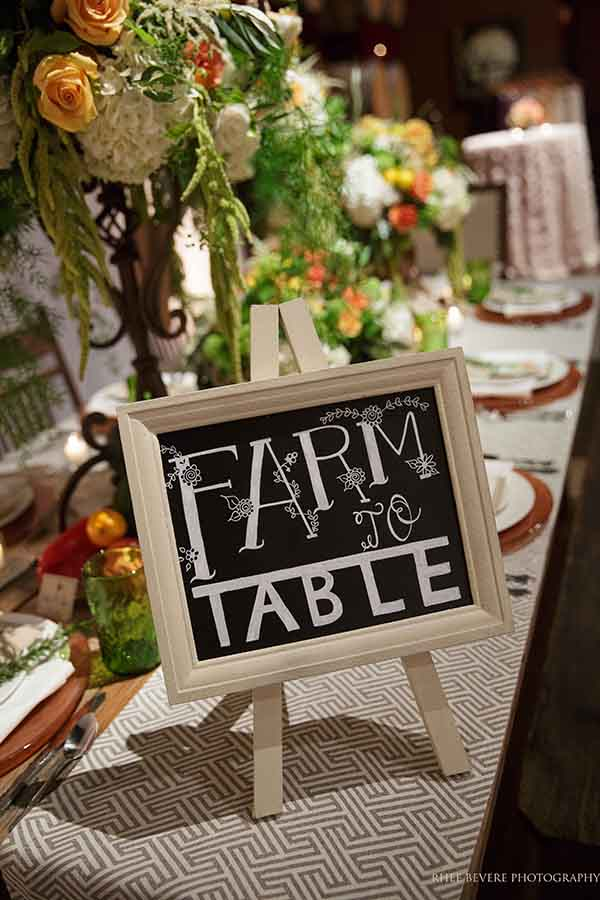 Rustic Farm to Table Wedding Inspiration | Rhee Bevere Photography and @nvlinens | Playing with Geometric Prints for Summer!