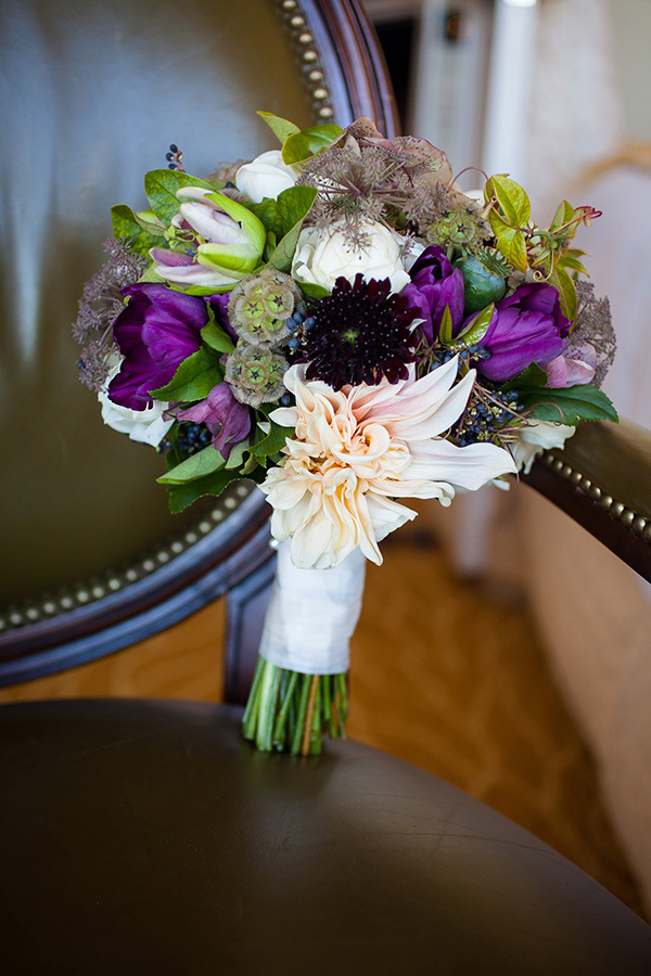 Purple and Blush Bouquet | Colson Griffith Photography | Sophisticated Blush and Plum San Francisco Wedding