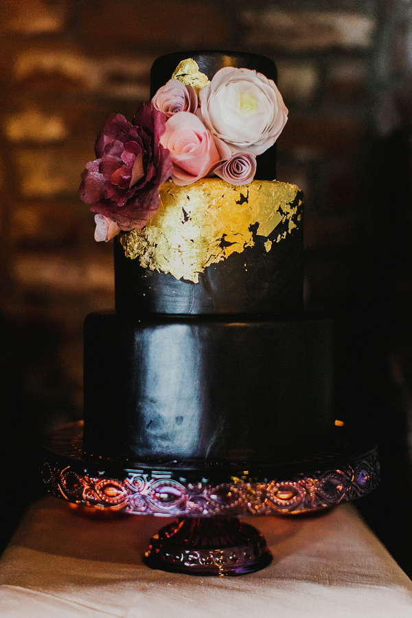 Black and Berry Cake with Gold Leaf | Milou and Olin Photography | Dark Romance Wedding