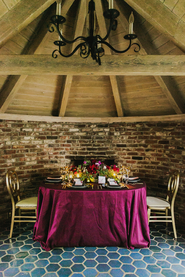 Luxe Berry and Black Sweetheart Table | Milou and Olin Photography | Dark Romance Wedding