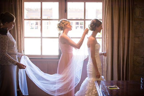 Bride Getting Ready | Scott Campbell Photography | Rustic Blush Wedding