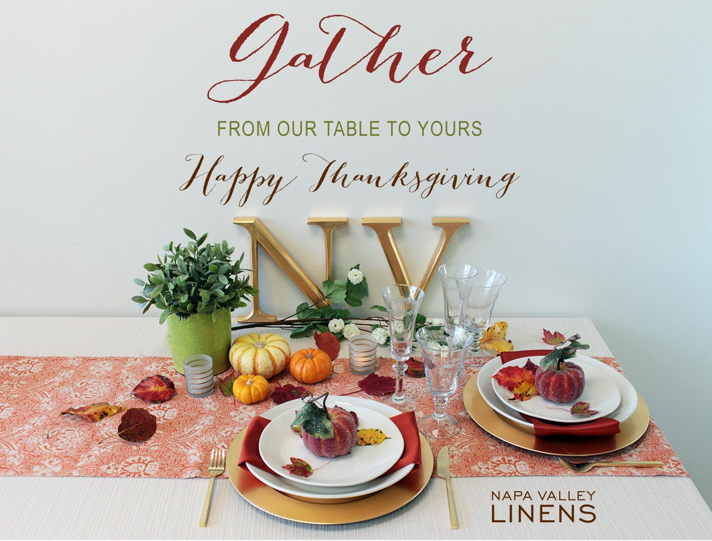 Timeless neutral and bright fall colors make a festive Thanksgiving table!